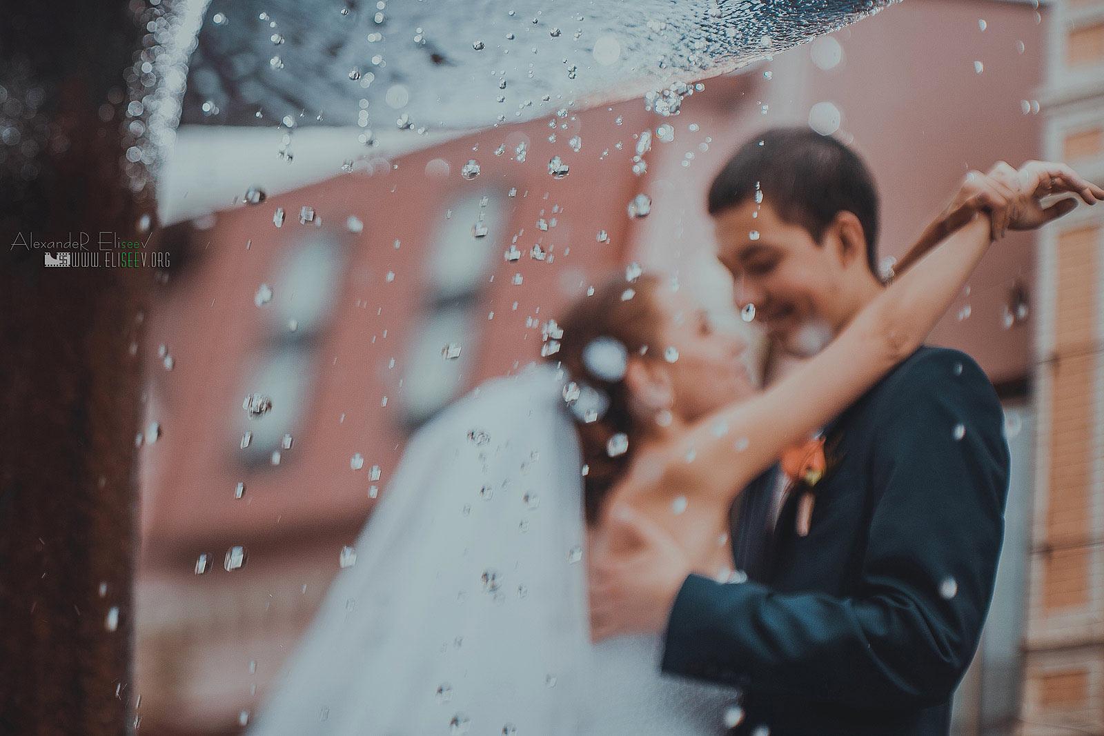 эмоциональное фото жениха и невесты