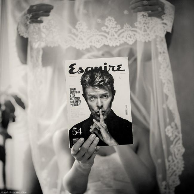 невеста, не забудь закрыть лицо журналом, чтобы не быть дурочкой!