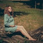 беременная женщина- фотосессия на природе