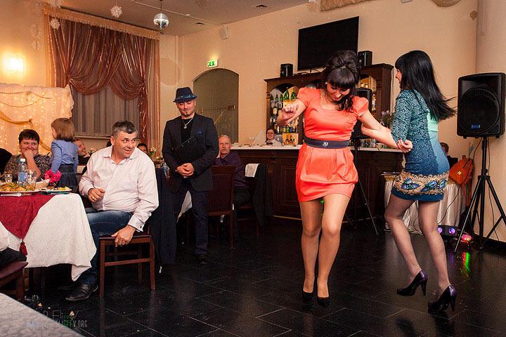 Танцуем на девичнике