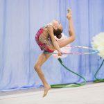юная гимнасткав прыжке - заказ фотографа