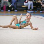 красивые моменты с выступления по художетсвенной гимнастике ребенка