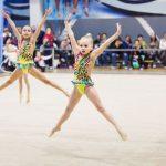 девочки - командное выступление по детская художетсвенной гимнастике