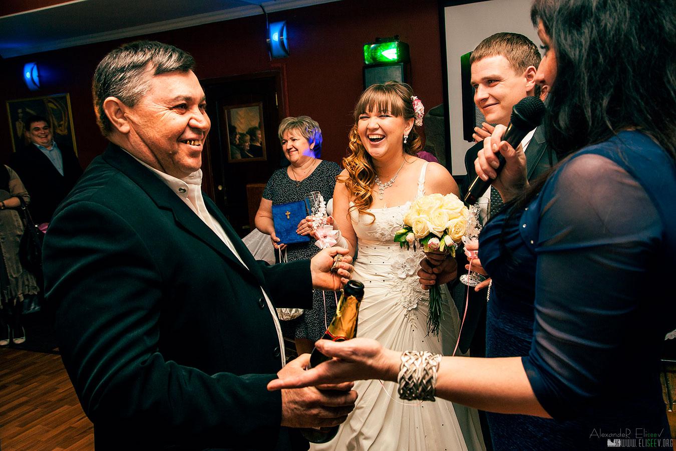 Репортажный фотограф для свадебного банкета в Самаре